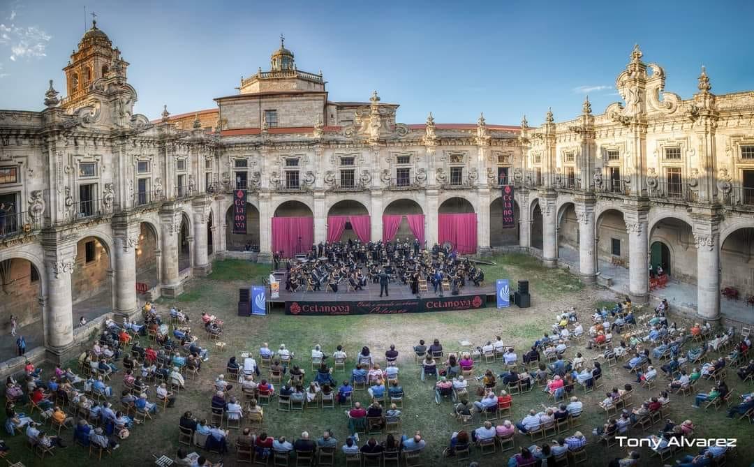 """Conferencia """"Teatro y música en la Época Nós: las escenas corales o estampas gallegas"""", por Javier Gändara Feijóo (fotografía de Tony Álvarez)"""